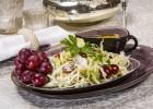 Spitzkohl-Trauben-Salat
